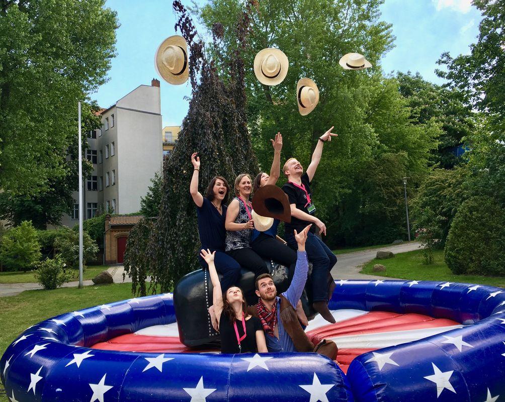 Bullenreiten mit Montlake Romance auf der LLC in Berlin